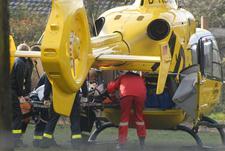 Rettungshubschrauber-Beladung