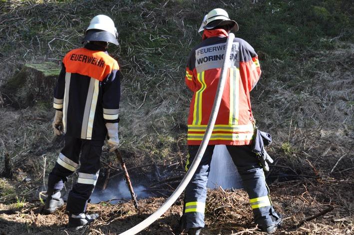 02-04-2012 woringen unterallgaeu waldbrand feuerwehr new-facts-eu 0100