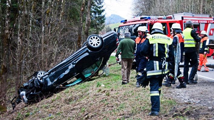 allgauhit 04-04-2012 verkehrsunfall oferschwang b19 new-facts-eu 001