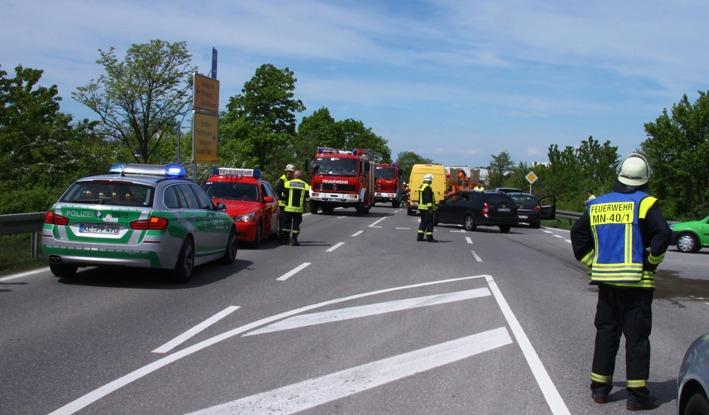 11-05-2012 BAB-a96 anschlussstelle-mindelheim auffahrunfall new-facts-eu