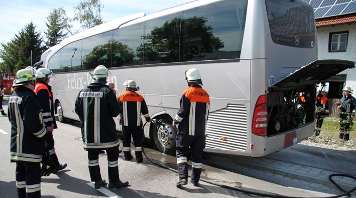 11-05-2012 bad-groenenbach busbrand feuerwehr-bad-groenenbach new-facts-eu