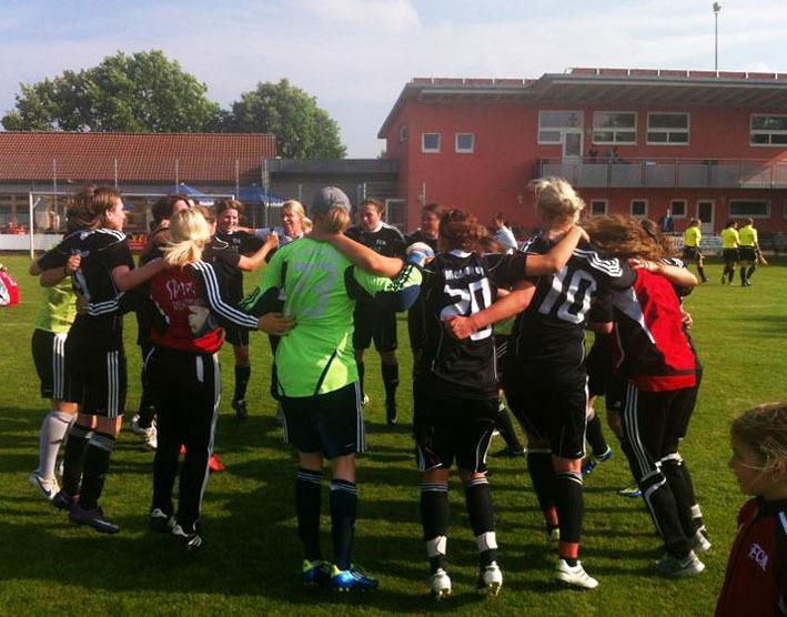fcm-frauen 02-06-2012 aufstieg-regionalliga-sued new-facts-eu