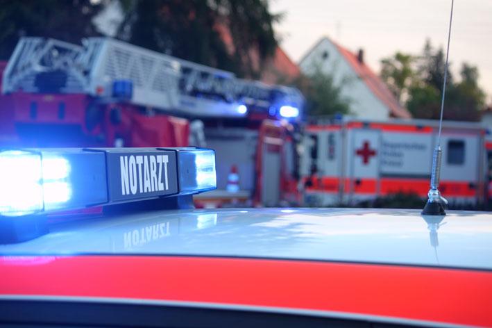 2012 Notarzt Feuerwehr Einsatz new-facts-eu