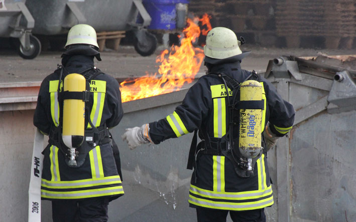 20-08-2012 brand container memmingen feuerwehr-amendingen new-facts-eu