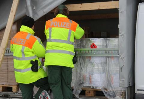 05-12-2012 polizei_schwerlastkontrolle_bab-a96_memmingen_new-facts-eu