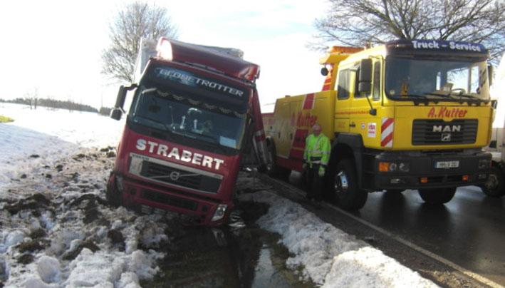 18-12-2012 eisenharz lkw-unfall bach kutter new-facts-eu