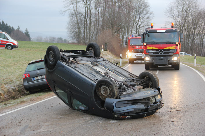 11-01-2013 erolzheim verkehrsunfall-glatteis new-facts-eu
