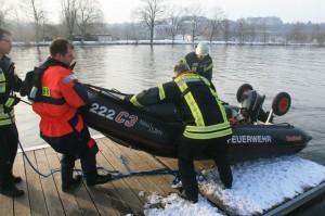 14-02-2013 neu-ulm donau wasserrettung schwächeanfall zwiebler new-facts-eu20130214 titel