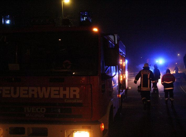 11-03-2013 unterallgäu buxheim zimmerbrand feuerwehr-buxheim poeppel new-facts-eu20130311 titel