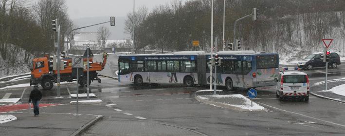 25-03-2013 ulm bus-brennt motorplatzer feuerwehr-ulm ölspur zwiebler new-facts-eu20130325 titel