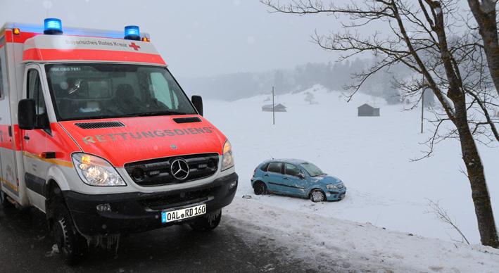 26-03-2013 friesenried obergünzburg unfall schneeglätte bringezu new-facts-eu20130326 titel