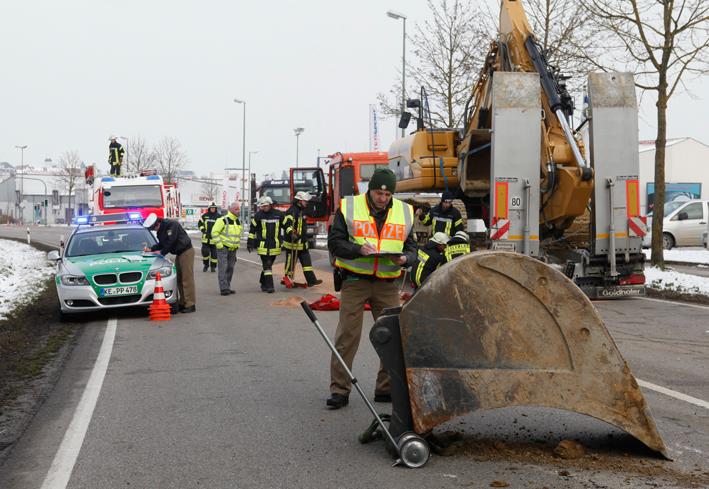 27-03-2013 günzburg bahnbrücke ulmer-strasse bagger zwiebler new-facts-eu20130327 titel