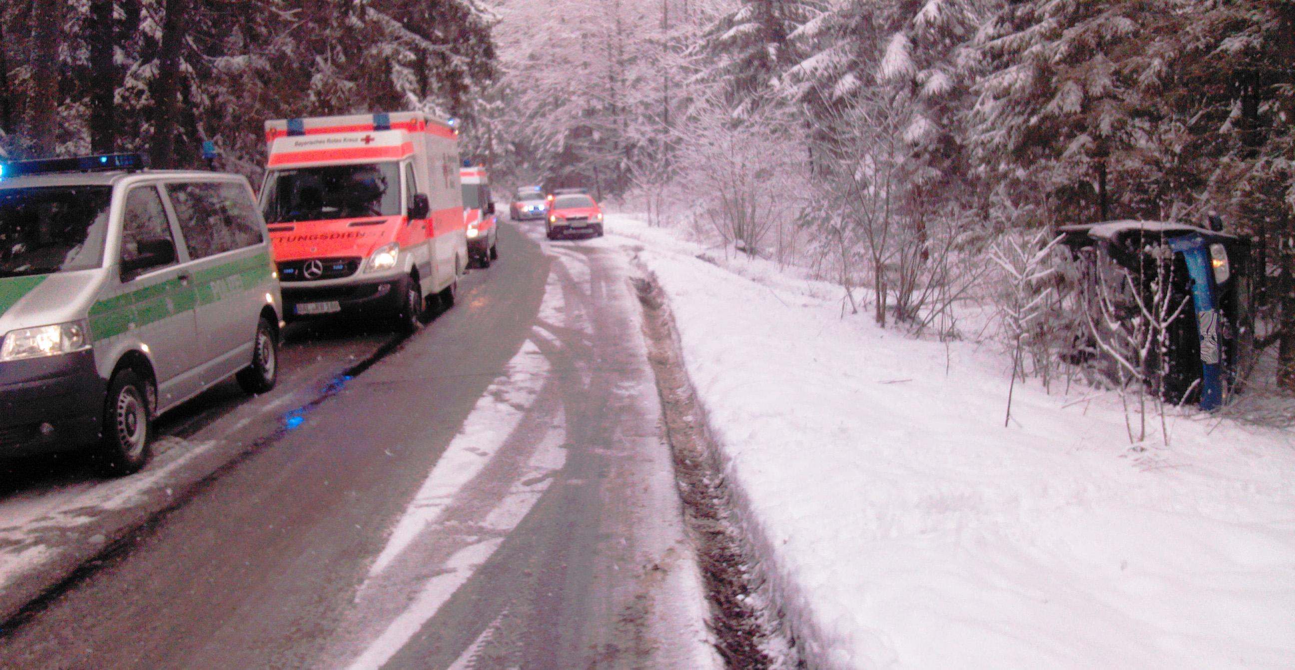 31-03-2013 apfeltrang aitrang unfall schneeglatte bringezu new-facts-eu20021208 titel