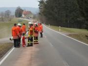 07-04-2013 biberach gutenzell ölspur motorplatzer-Feuerwehr-gutenzell facts-eu20130407 titel