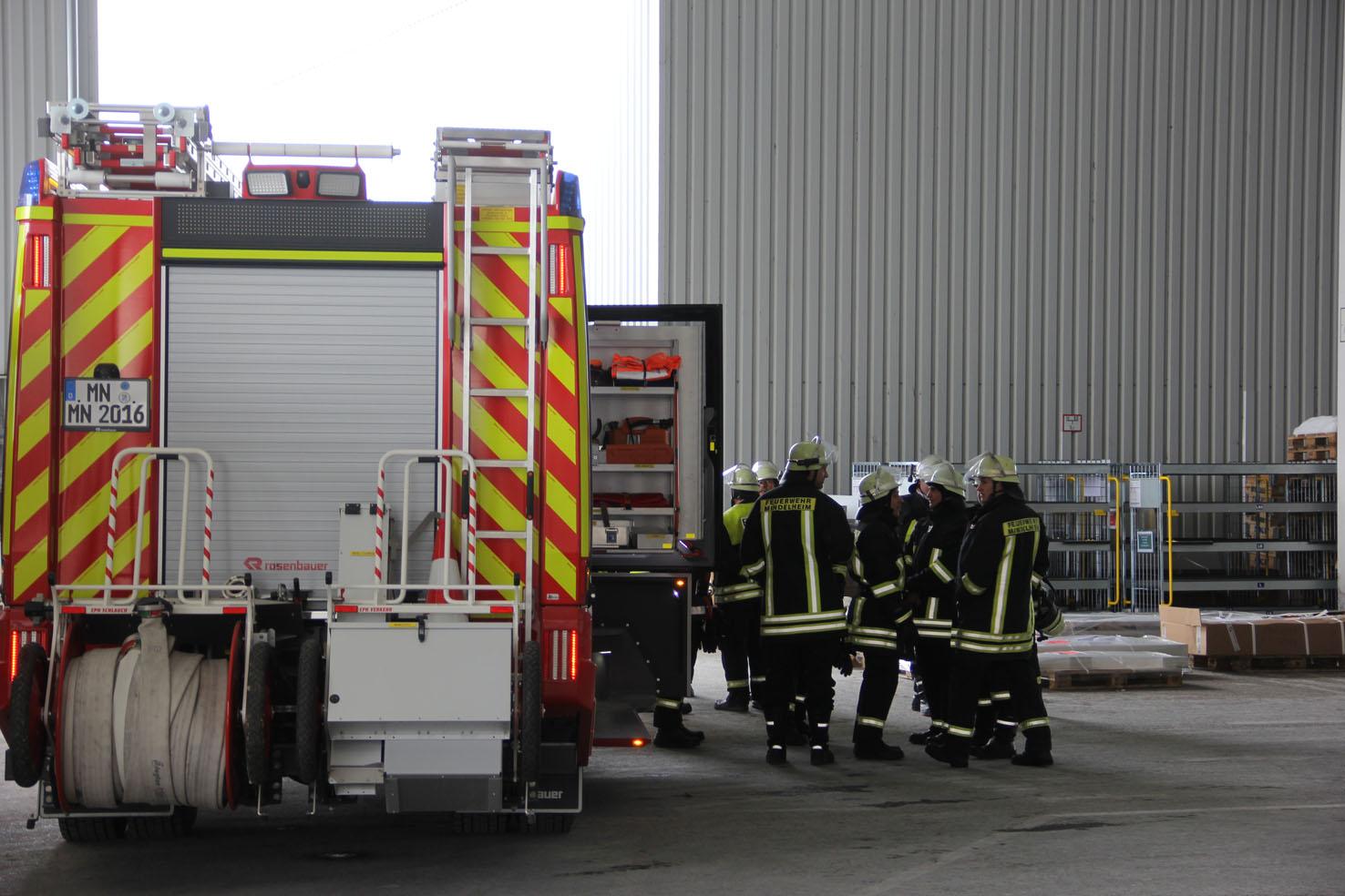 09-04-2013 mindelheim brand maschinenbaufirma absaugeinrichtung feuerwehr-mindelheim pöppel new-facts-eu