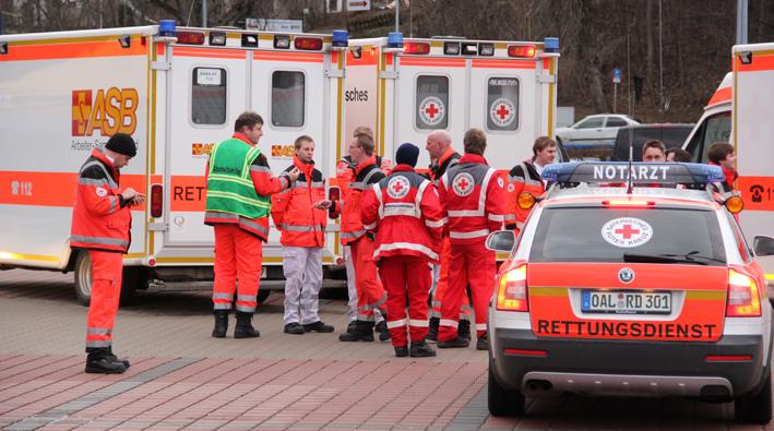 12-04-2013 kaufbeuren ostallgäu bedrohungslage gasaustritt reihenhaus-evakuierung feuerwehr-kaufbeuren pöppel new-facts-eu20130412 titel