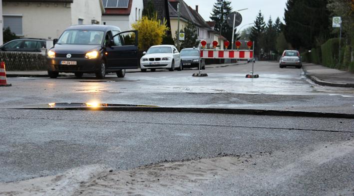 27-04-2013 memmingen bergermuhlstrasse wasserrohrbruch uberflutung feuerwehr polizei poppel new-facts-eu20130427 titel