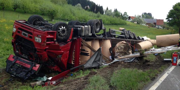 07-05-2013 b31 weißensberg lkw-unfall feuerwehr-weißensberg rädler new-facts-eu20130507 titel