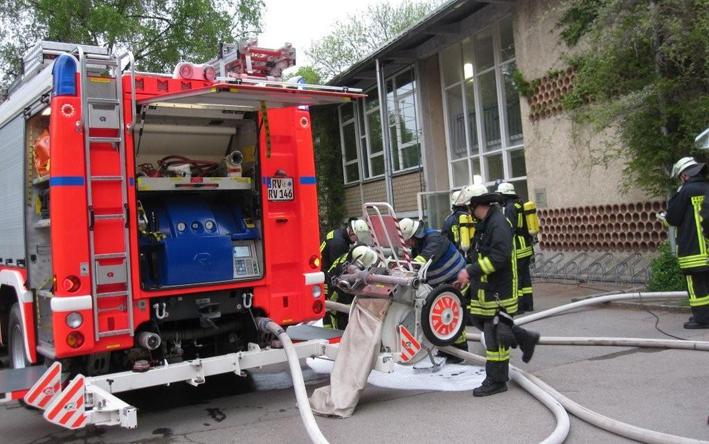 07-05-2013 ravensburg_brand_neuwiesenschule_feuerwehr-ravensburg_gold_new-facts-eu20130507_titel