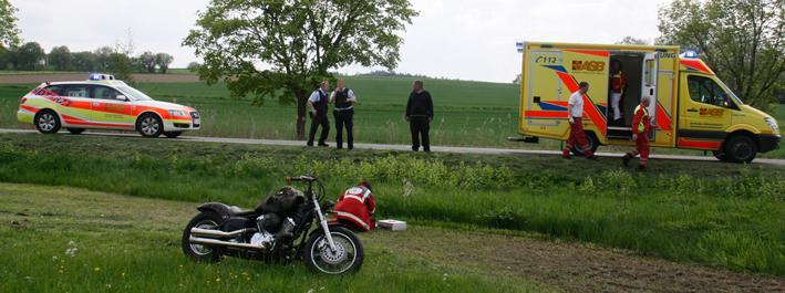 07-05-2013 dietenheim illerrieden motorrad-unfall führerscheinneuling feuerwehr rettungsdienst wis new-facts-eu20130507 titel