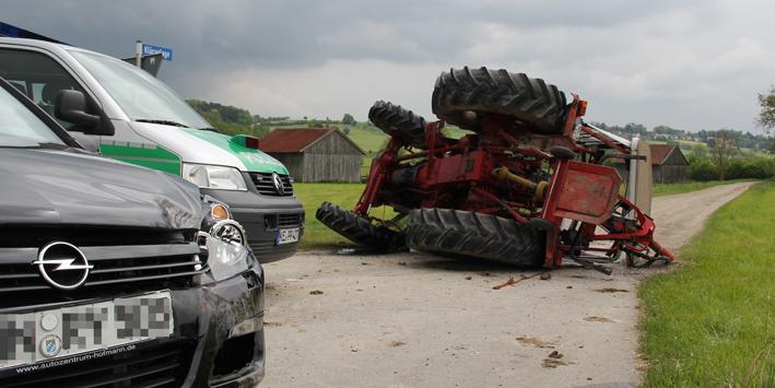24-05-2013 unterallgau dirlewang unteregg traktor pkw poeppel new-facts-eu20130524 titel