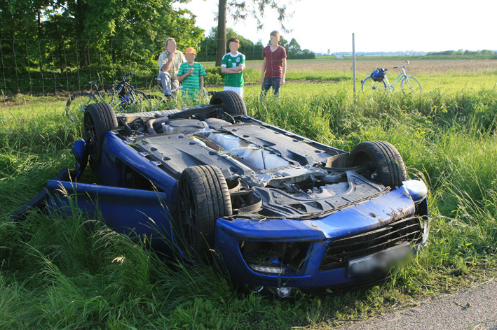 28-05-2013 bab-a7 hittistetten unfall überschlag sportwagen zwiebler new-facts-eu
