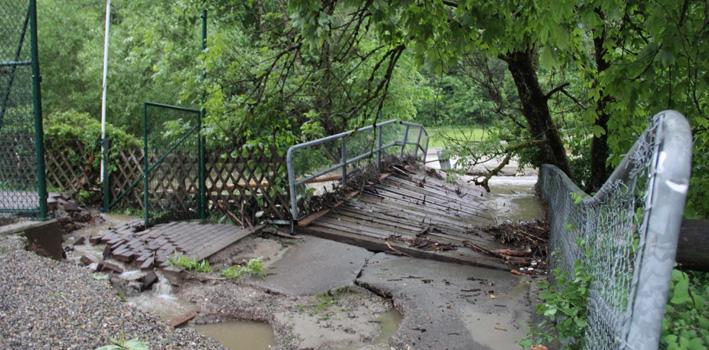 02-06-2013 unterallgau gunz lautrach-hochwasser unwetter feuerwehr thw-memmingen poeppel new-facts-eu20130602 titel