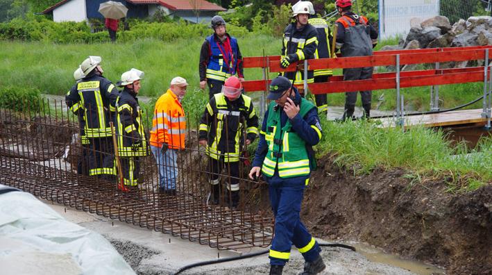 03-06-2013 günzburg krumbach hochwasser unwetter Lage Feuerwehr foto-weiss new-facts-eu20130601 titel