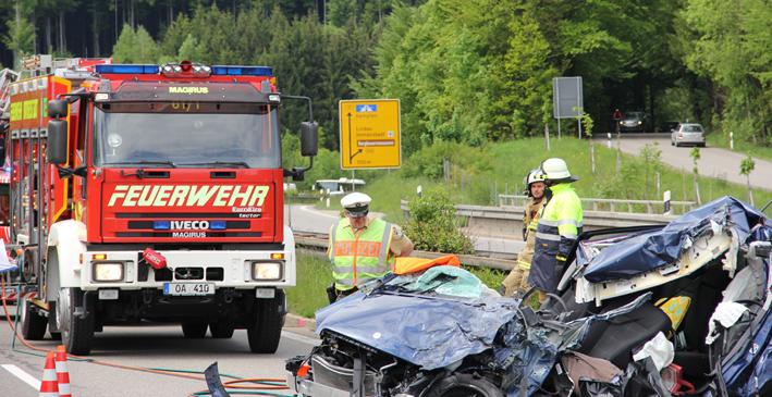 04-06-2013 b19 burgberg immenstadt geisterfahrer feuerwehr poeppel new-facts-eu20130604 titel