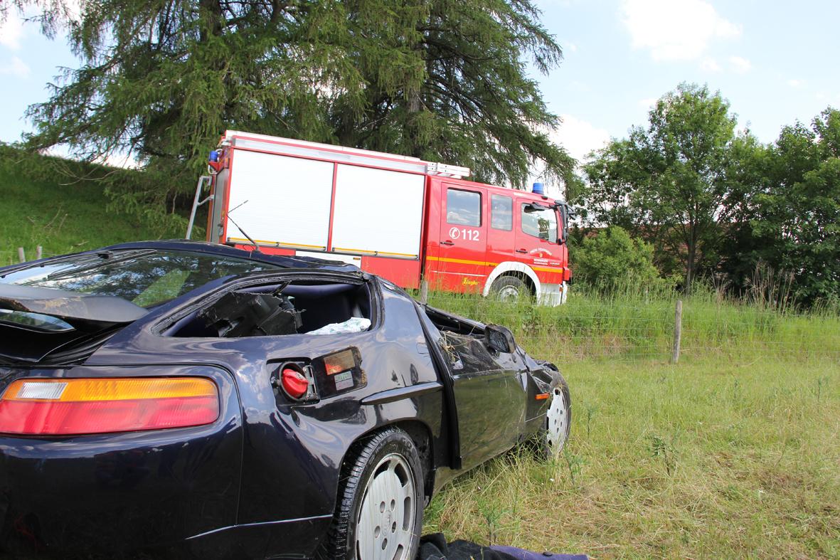 06-06-2013 bab-a96 unfall aitrach überschlag feuerwehr-aitrach poeppel new-facts-eu20130606 0006
