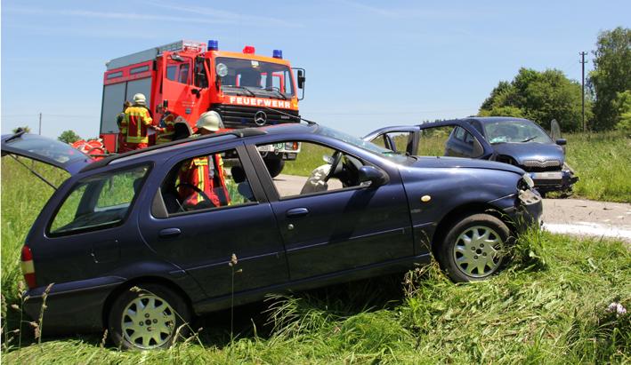 13-06-2013 unterallgau gammenried unfall feuerwehr-bad-worishofen poeppel new-facts-eu20130613 titel