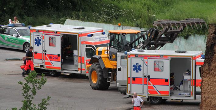 21-06-2013 unterallgäu kirchheim kind-überrollt radlader toedlicher-unfall poeppel new-facts-eu