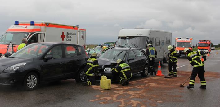 22-06-2013 bab-a7 memmingen berkheim unfall wohnmobil verletzte-feuerwehr-memmingen poeppel new-facts-eu20130622 titel
