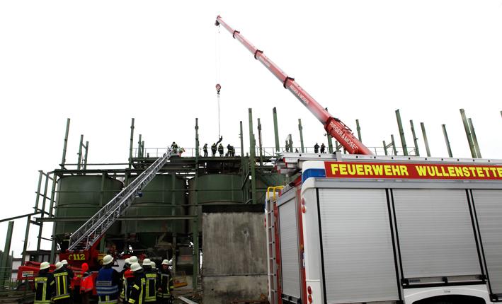 22-06-2013 neu-ulm senden arbeitsunfall basturz-arbeiter demontage-Industrieablage zwiebler new-facts-eu20130622 titel