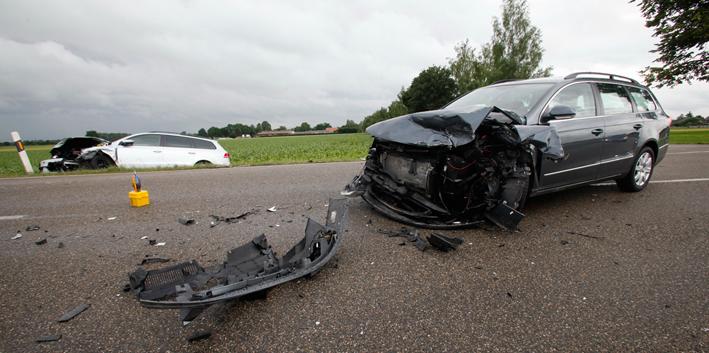 03-07-2013 ulm langenau rammingen frontalzusammenstoss unfall verletzte zwiebler new-facts-eu20130703 titel