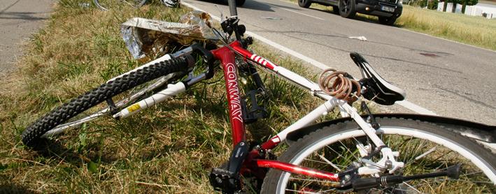 14-07-2013 neu-ulm altenstadt filzingen fahrrad-gegen-pkw schwerstverletzt wis new-facts-eu20130714 titel