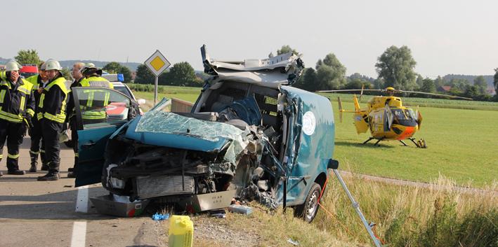 15-07-2013 unterallgau salgen kies-sattelzug-gegen-pkw schwerverletzte poeppel new-facts-eu20130715 titel