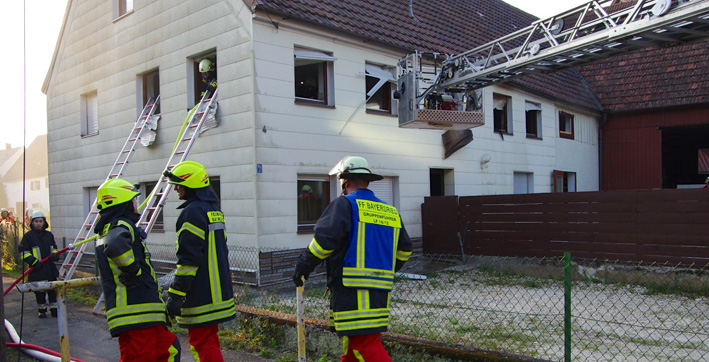 18-07-2013 guenzburg ursberg bayersried schwelbrand bauernhaus foto-weiss new-facts-eu20130718 titel