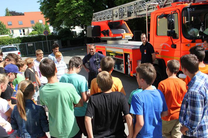 17-07-2013 memmingen staedtische-realschule jugendfeuerwehr new-facts-eu20130717 titel