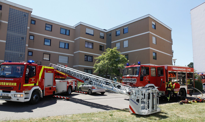 22-07-2013 ehingen brand rauch keller mehrfamilienhaus verletzte zwiebler new-facts-eu20130722 titel