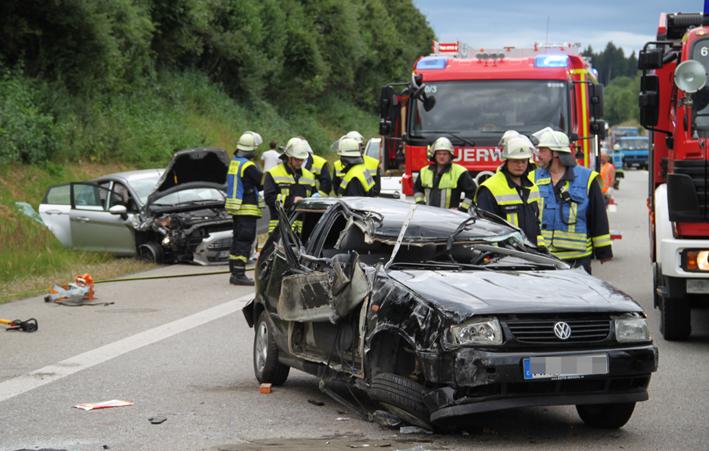 29-07-2013 bab-a96 mindelheim bad-woerishofen toedlicher-unfall feuerwehr-mindelheim poeppel new-facts-eu20130729 titel