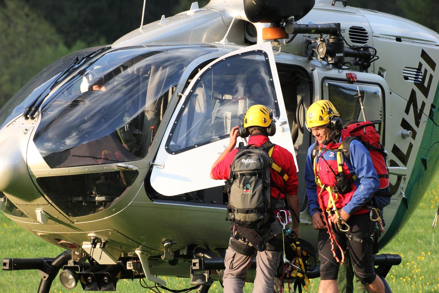 16-05-2013 oberallgau oberstdorf bergwacht polizeihubschrauber rettungsaktion hahnenkopf poeppel new-facts-eu20130516 0159