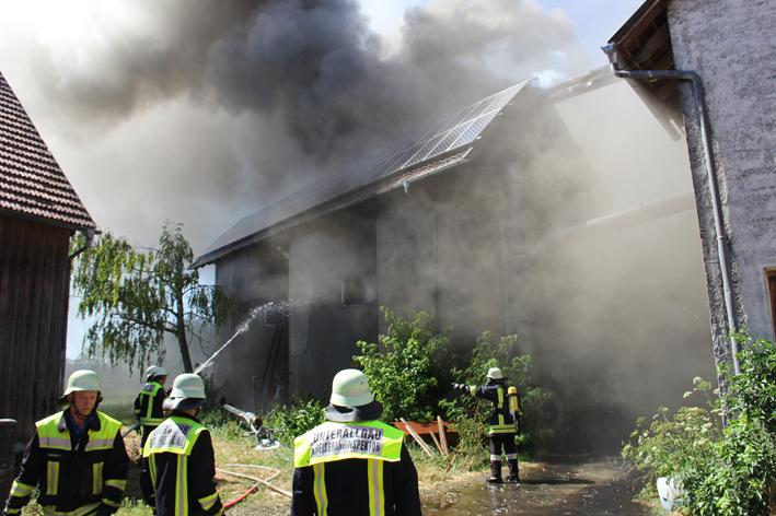 01-08-2013 unterallgau schwaighausen brand silo bauernhof poeppel new-facts-eu20130801 titel