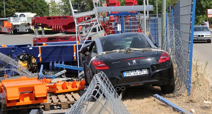 06-08-2013 memmingen goldhoferstrasse pkw-Betriebsgelande goldhofer poeppel new-facts-eu20130806 titel