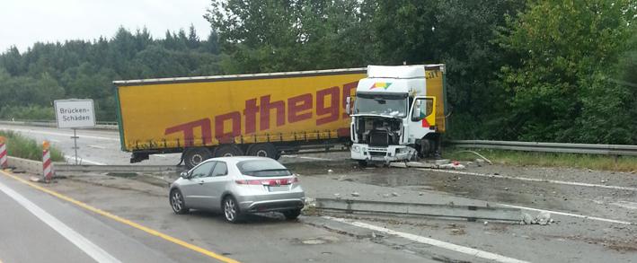 08-08-2013 bab-a7-hittisstetten unfall lkw diesel feuerwehr-senden thiry new-facts-eu