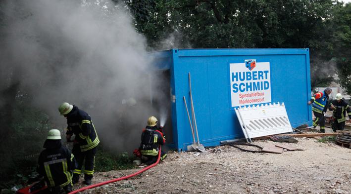 08-08-2013 ulm baucontainer brand feuerwehr zwiebler new-facts-eu20130808 titel