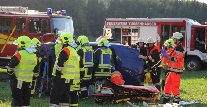 15-08-2013 unterallgaeu tussenhausen markt-wald schwerer-unfall feuerwehr poeppel titel