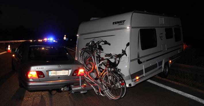 21-08-2013 bab-a7 berkheim memmingen unfall wohnwagengespann poeppel new-facts-eu titel