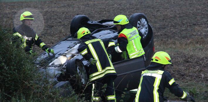 27-08-2013 bab-a7 dettingen altenstadt illertissen feuerwehr rettungsdienst aquaplaning wis  poeppel new-facts-eu20130827 0002