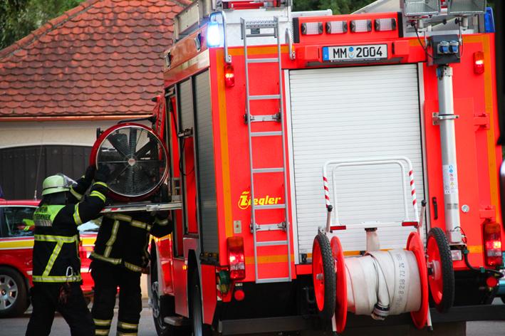 03-09-2013 memmingen rauch reineckstrasse feuerwehr-memmingen poeppel new-facts-eu
